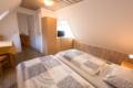 Schlafzimmer -3